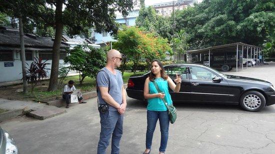 Walks of Kolkata: At The St Pauls Catherdral