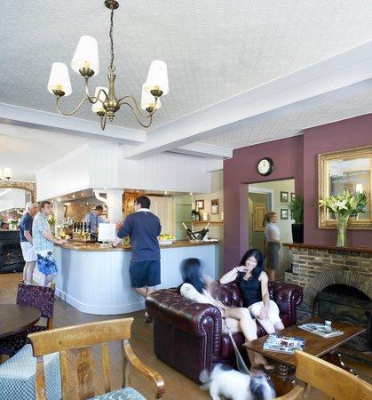 Anchor Inn: Bar area