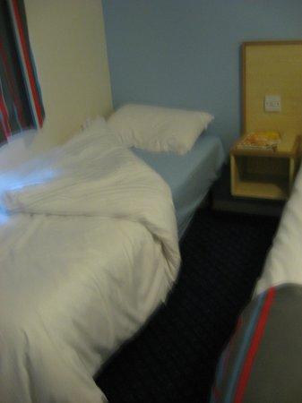 Travelodge Yeovil Podimore : Single Beds