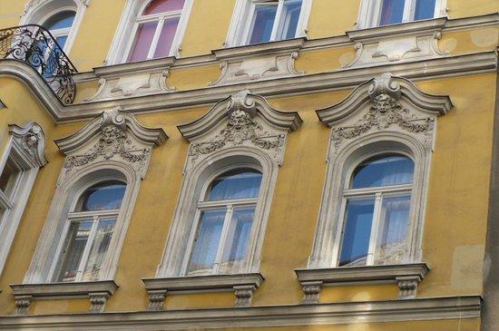 Stadtnest Bed & Breakfast and Apartment: Отель находится в прекрасном здании начала прошлого века