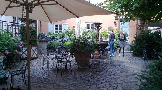 Villa Provence: Gårdhaven