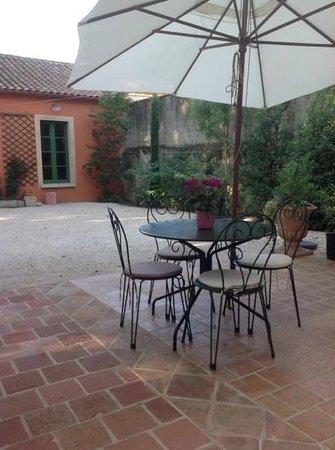 Villa Aurenjo : Add a caption