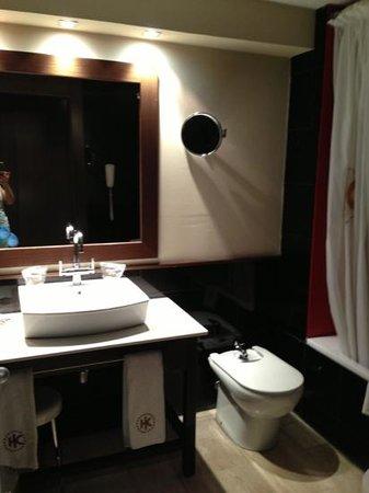Hotel Catalonia Goya: baño