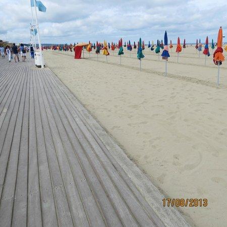 Le Bac de Trouville Deauville : Набережная Довиля