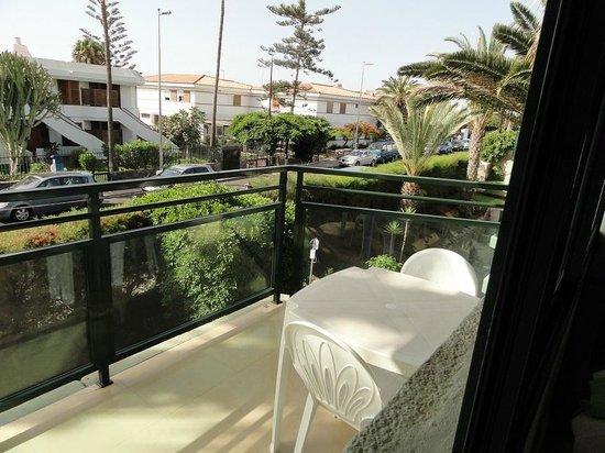 Africana Apartments: Balcony
