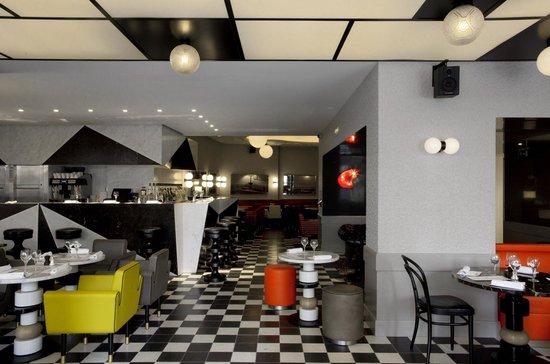 Cafe Germain: Le bar