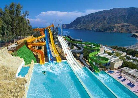 Φόδελε, Ελλάδα: Water park με παναρομική θέα στη θάλασσα.