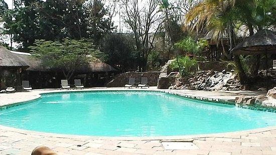 Cresta Mowana Safari Resort and Spa: The Pool