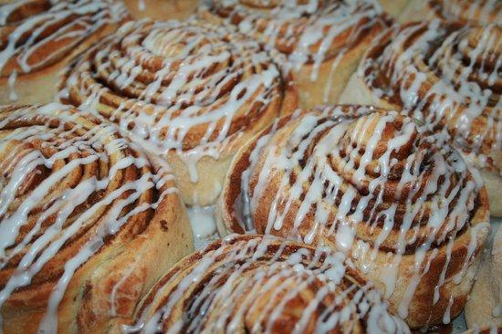 The Baker : Cinnamon Rolls