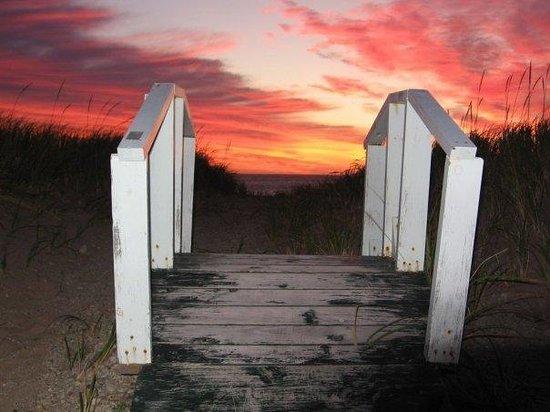 Au Pied de la Butte Ronde : Heaven's gate