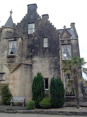 Stonefield Castle Hotel: parte della facciata