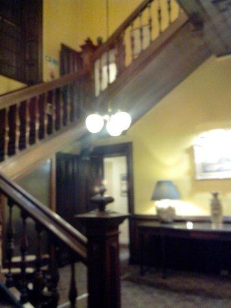 Stonefield Castle Hotel: scala da cui si accede al piano delle camere
