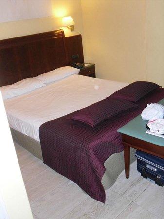 Exe Mitre: Il letto dellanostra camera