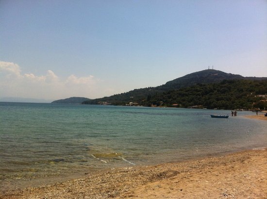 Kerkyra Island Studio Apartments: mountain view of beach