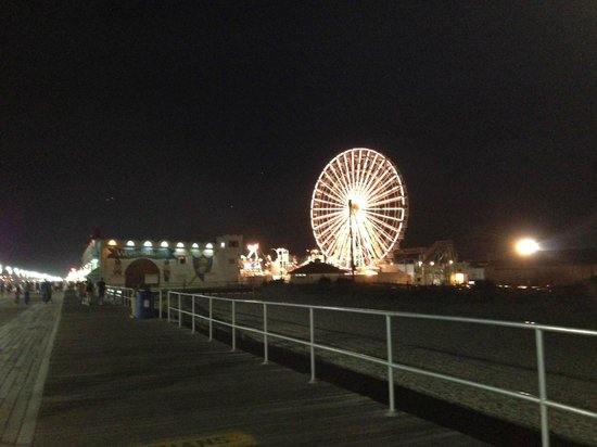 Beach Club Hotel: Ocean City Boardwalk