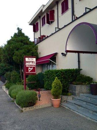 Hotel Ristorante Bel Sit: ingresso