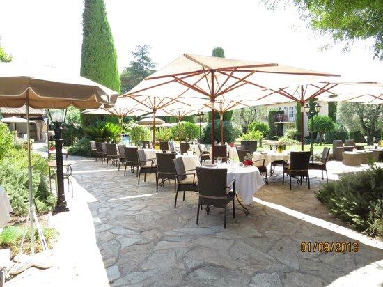 Hotel de Mougins: déjeuner dans la nature
