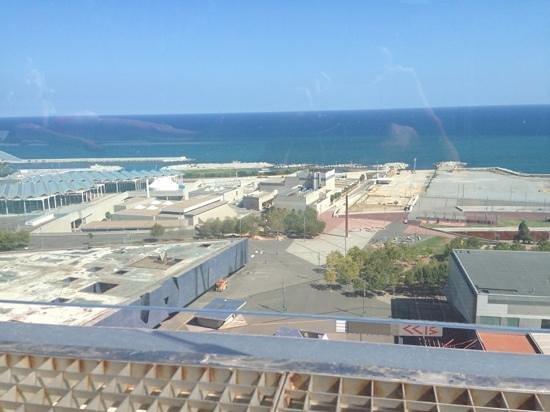Barcelona Princess: uitzicht vanuit de zwembad op de 23st etage!!prachtig
