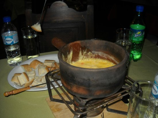 Antinea: Fondue - delicious!