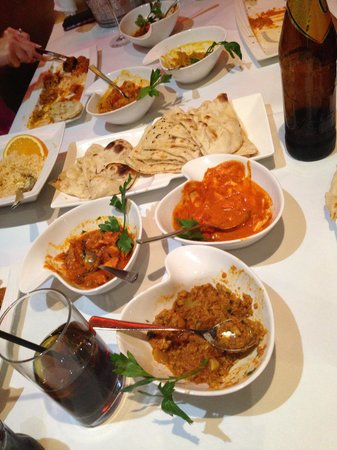 Anoki Indian Restaurant : 6 Mains, Rice and Naan for 4 people