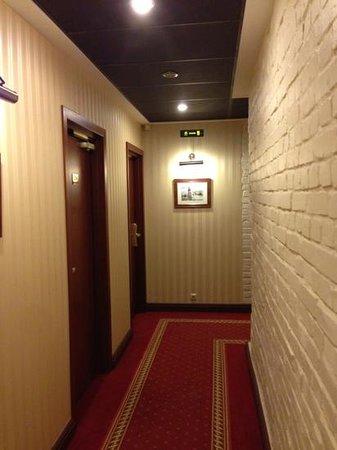 Tradition Hotel: Corridor