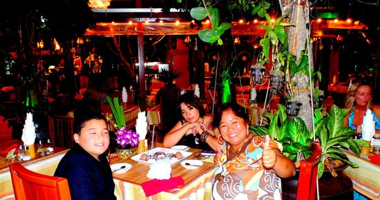 Tropica Resort and Restaurant: Fine Resto with Pinoy Bands
