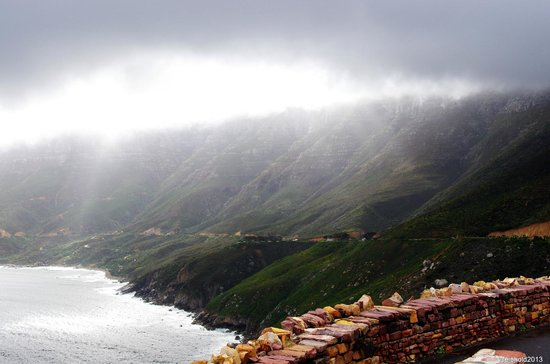 Dongola Guest House: Stormy on the drive to Chapman's Peak