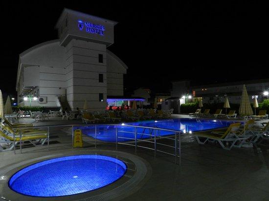 Konakli Nergis Hotel: Hotel at night