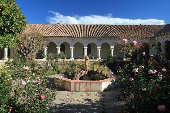 Museo de la Recoleta : Cloître