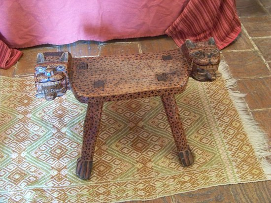 Casa Felipe Flores: Jaguar stool in my room