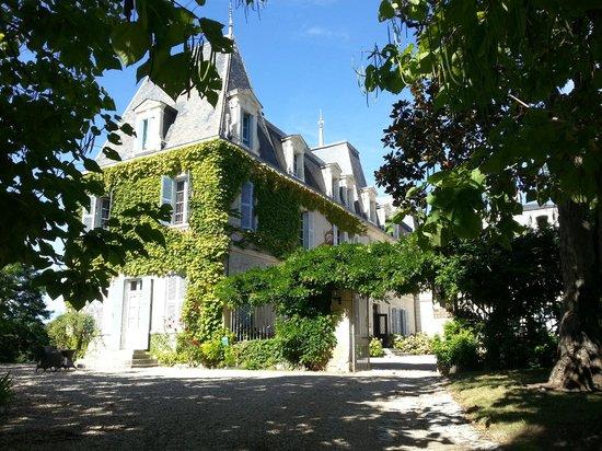 Entrée du Chateau de Lalande