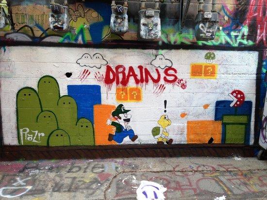 Art Alley: Zombie Luigi