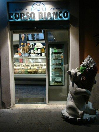 L'Orso Bianco : Een nette ijssalon