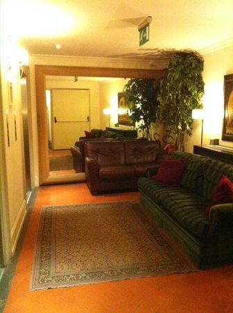 Relais Santa Croce: The elevator area