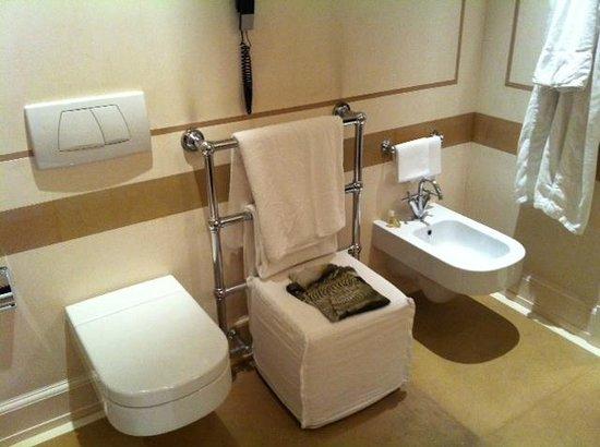 Relais Santa Croce: Bathroom