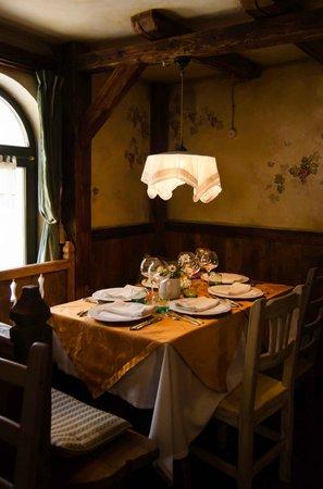 Restaurant Antica Osteria : Tavolo ad angolo