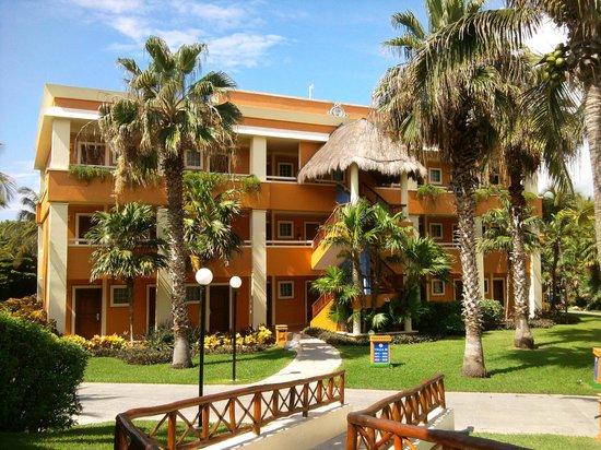 Luxury Bahia Principe Akumal : Our building