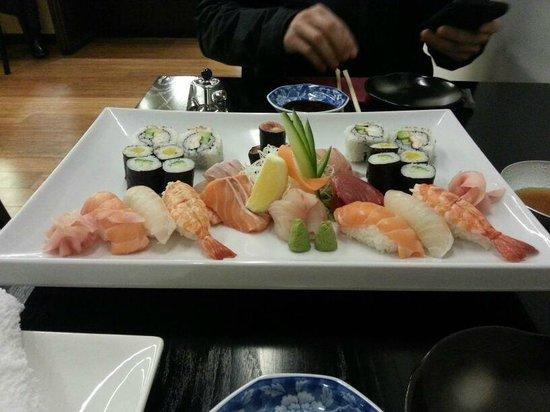 Sala Sala Restaurant: Sushi and sashimi platter for two