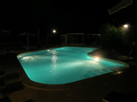 Hotel Village Gabriella: la piscina