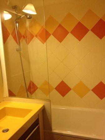 Pierre & Vacances Residence Les Platanes: la salle de bains
