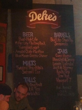 Deke's Bar-B-Que: Drink board - Warning - Jar Drinks are very good.