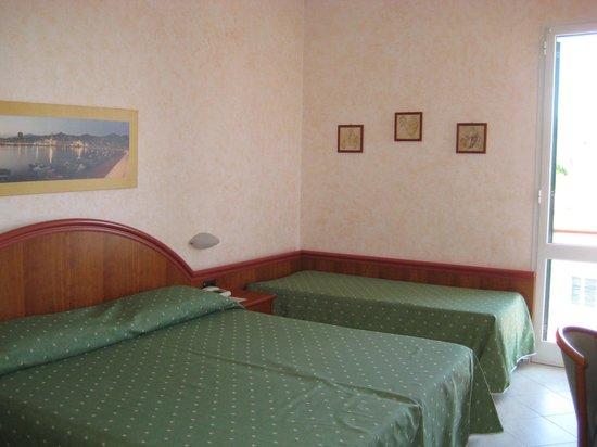 Hotel Gabriella : Camera
