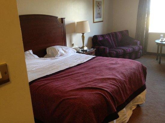 Macdonald Inchyra Hotel & Spa: Bed area