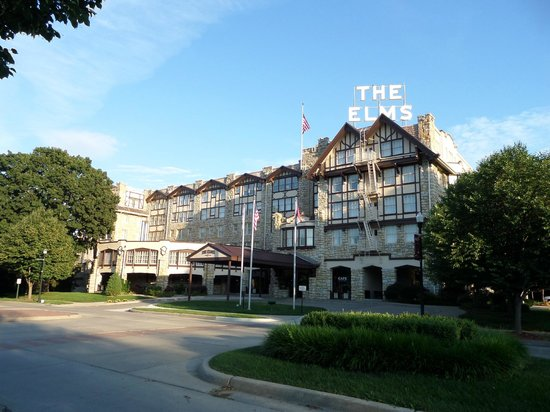 The Elms Hotel and Spa : The front of the Elms