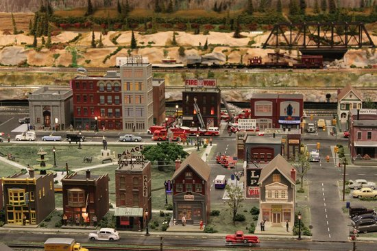 Foley Railroad Museum: Model Train Display