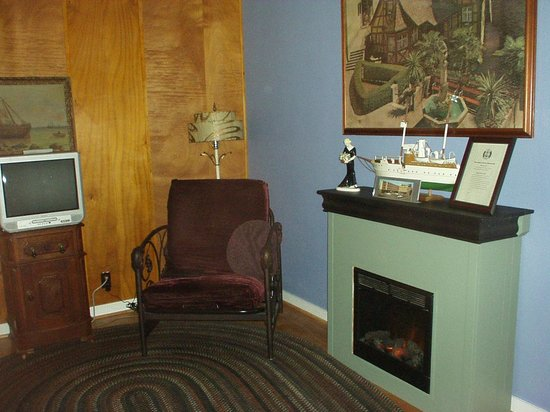Historic Anchor Inn: the comfy chair (and fireplace)!