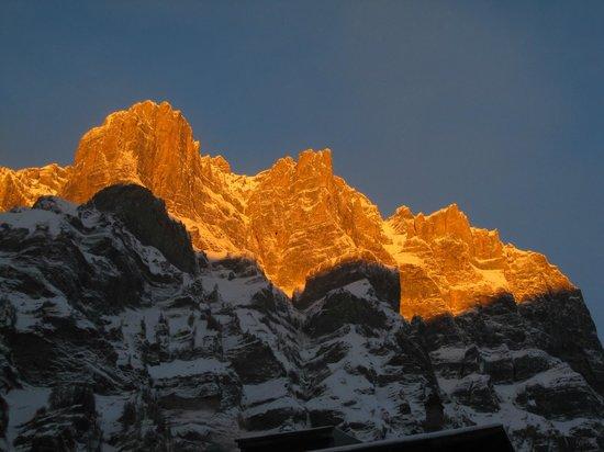 Hotel Walliserhof: Aussicht auf die Berge