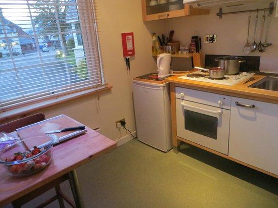 Glenlochy Nevis Bridge Apartments: Cuisine bien équipée
