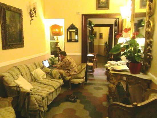 Residenza Maritti: Smooth Wifi in the sitting room