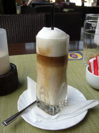 Smithy's Restaurant : latte